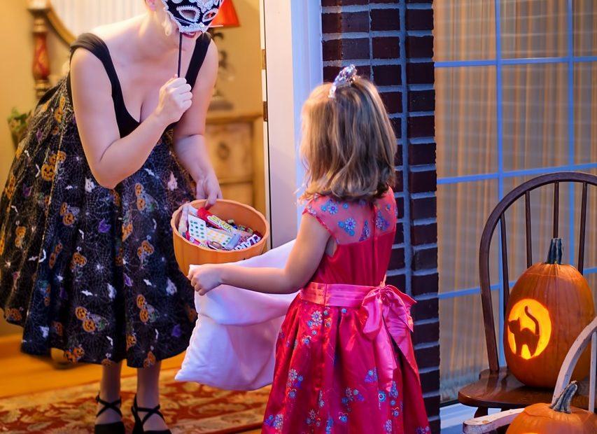 halloween, trick-or-treat, pumpkin-1773447.jpg